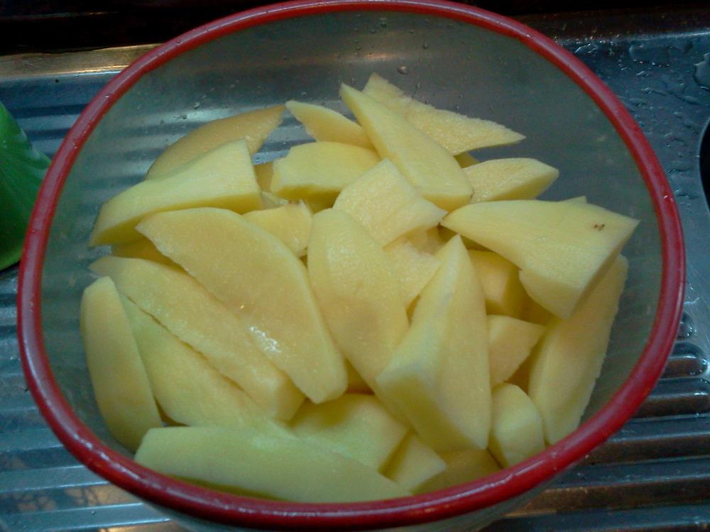 Romero-flavoured_potato_wedges1