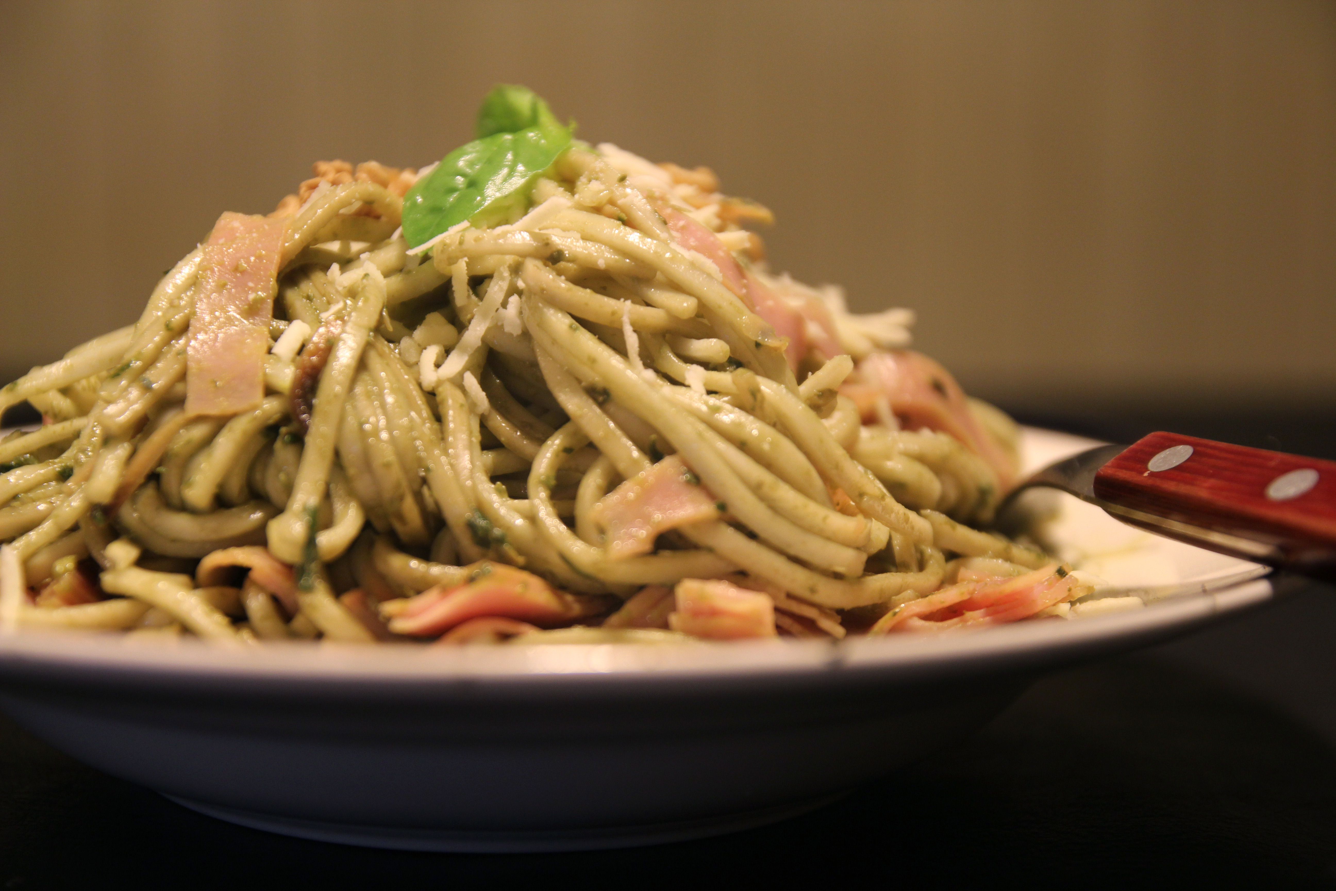 Basil Walnut Pesto & Ham Spaghetti4