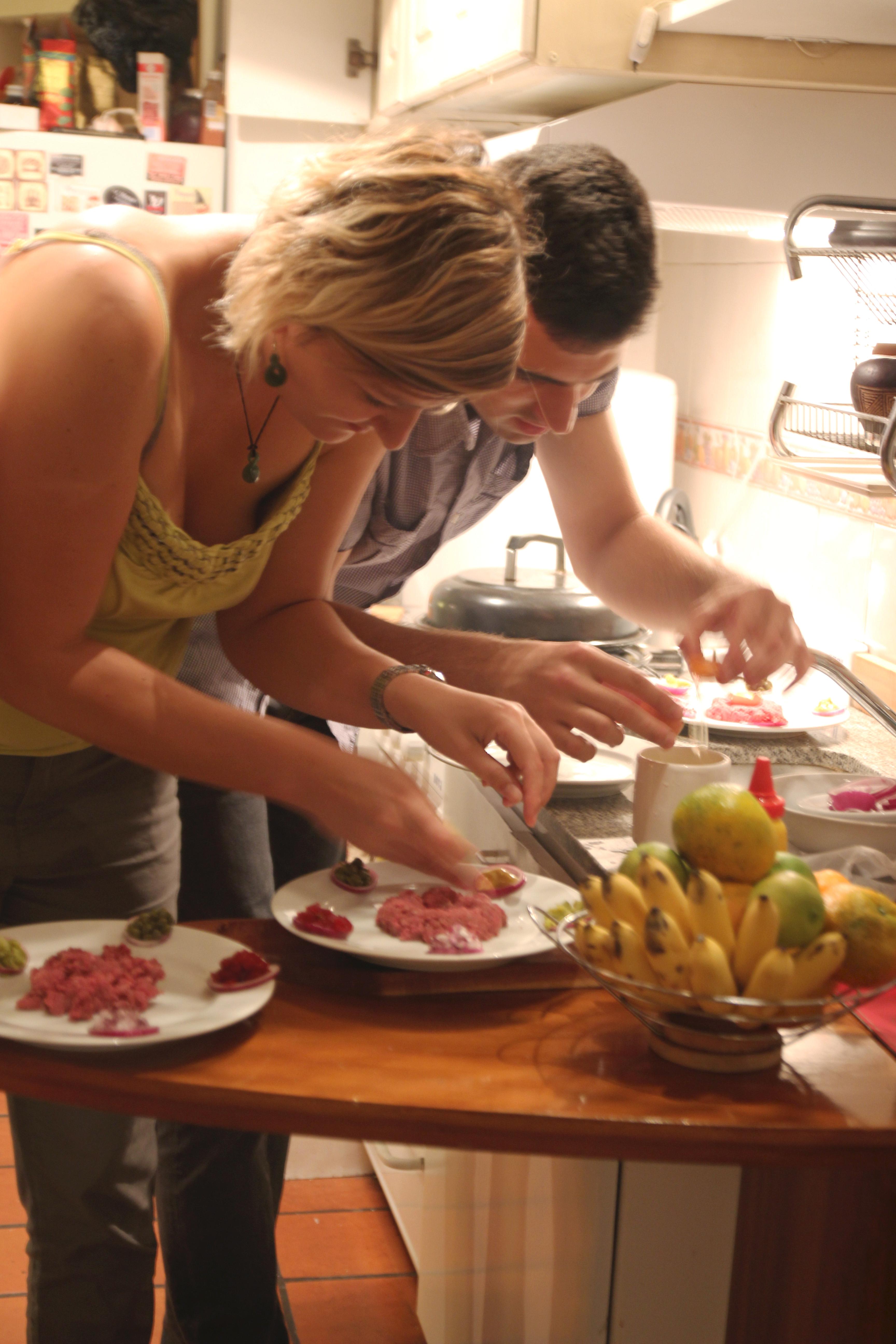 Wiw preparing Tartare Steak1