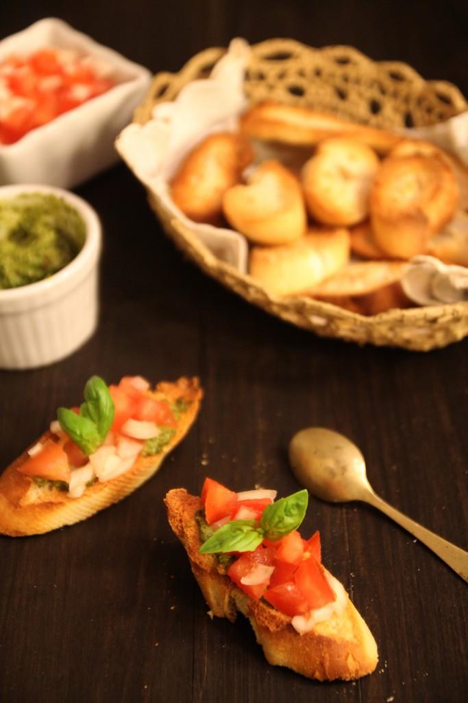 Basil Pesto, Tomato & Onion Bruschetta5