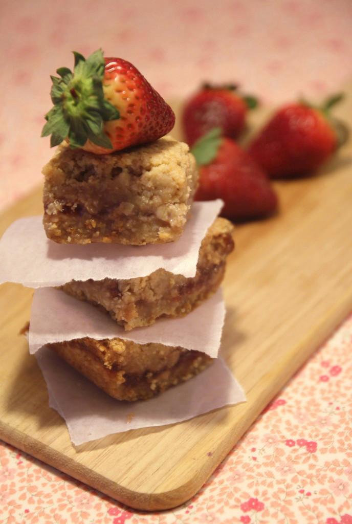strawberry-oatmeal-bars13