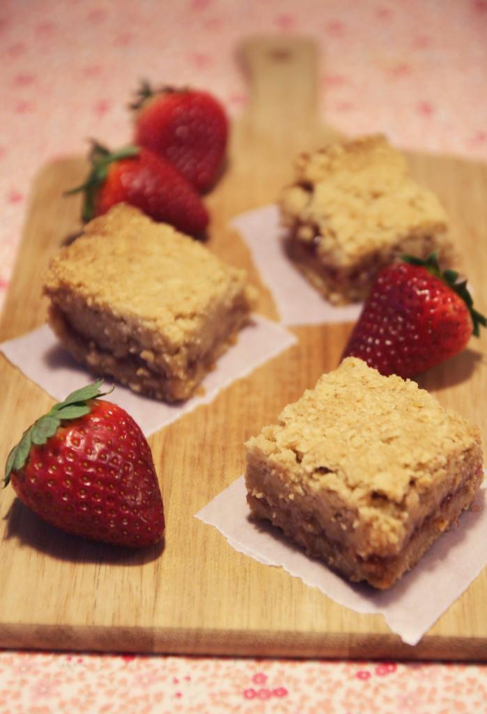strawberry-oatmeal-bars2
