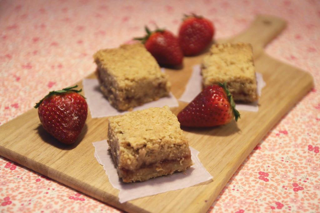strawberry-oatmeal-bars5