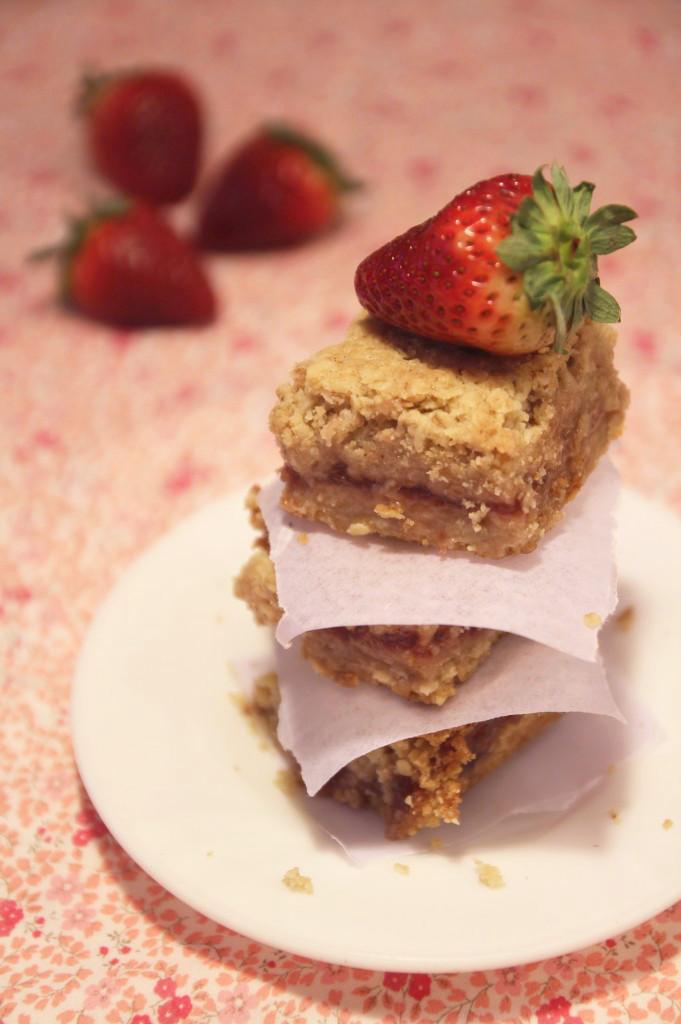 strawberry-oatmeal-bars9