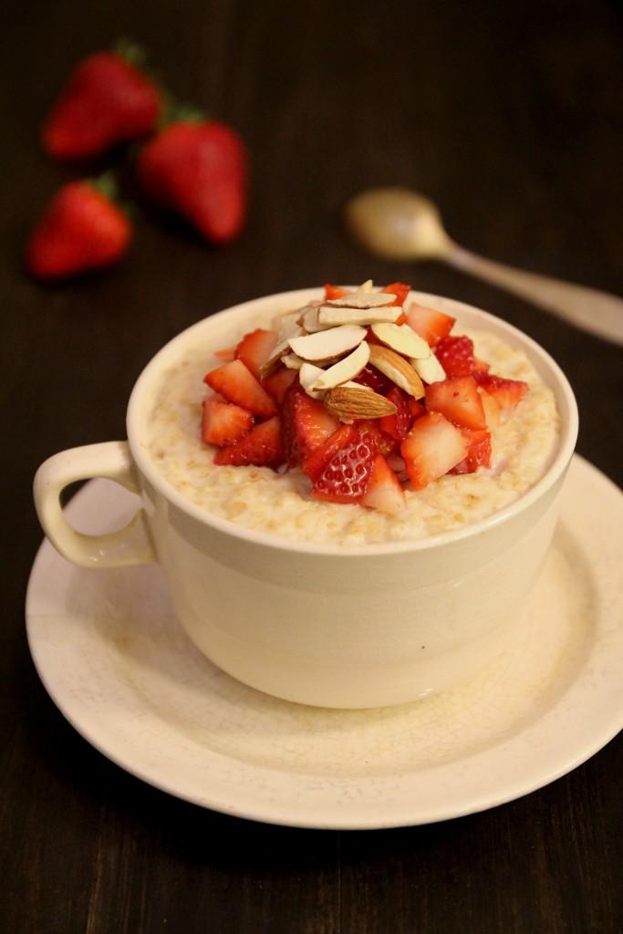 Strawberry Almond Oatmeal4
