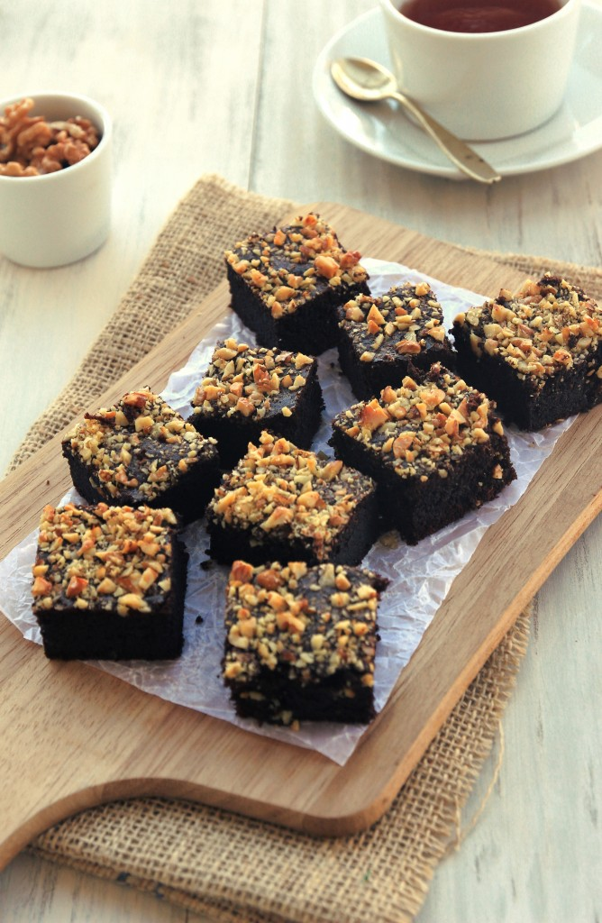 http://londonbakes.com/2014/02/flourless-salted-caramel-brownies-gluten-free.html