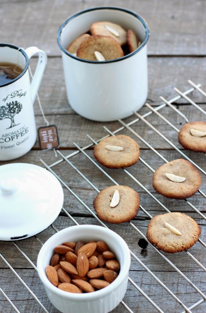 Grain-free Almond Cookies