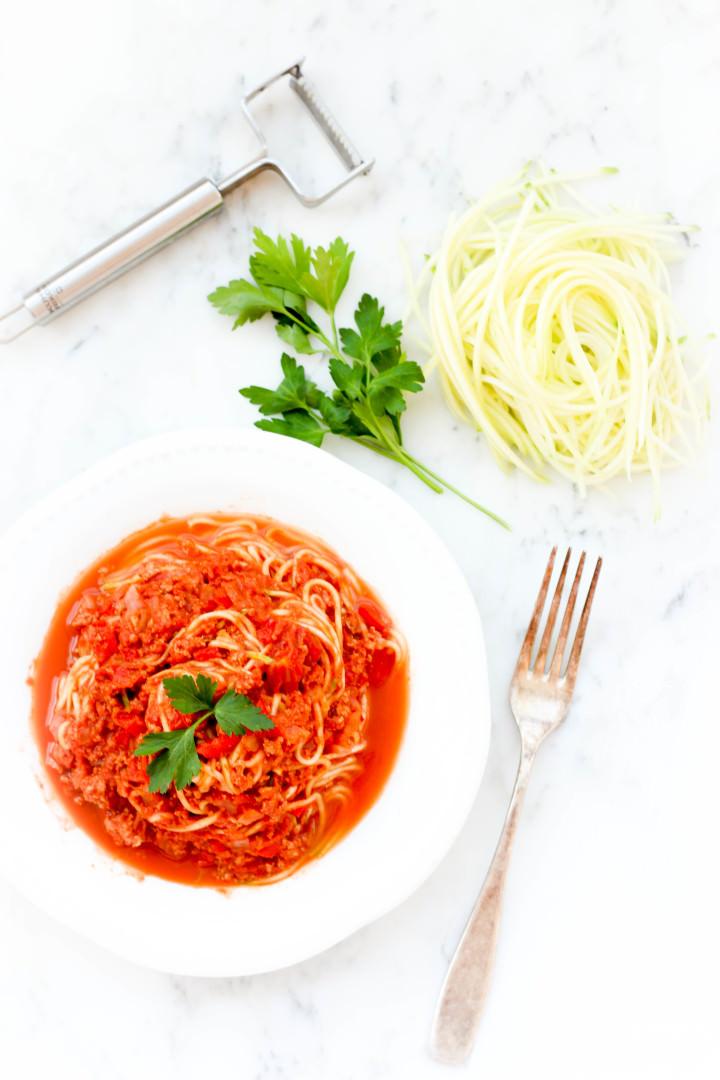 Zucchini spaghetti bolognaise dish by dish - Comment cuisiner courgette spaghetti ...